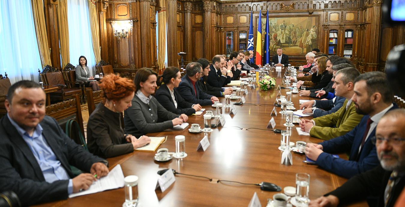 Consultari cu societatea civila, Photo: Presidency.ro
